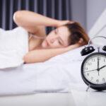 疲れているのに眠れない!原因と簡単にできる対処法を紹介